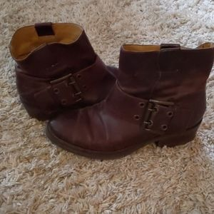 Nine West low buckle half boots barely worn